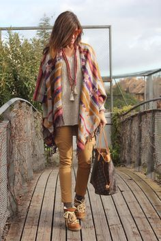 Looks Invierno Poncho Pantalones Cargo Blogger Ropa Hippie Mujer Moda Estilo Bohemio Ropa De Estilo Hippie