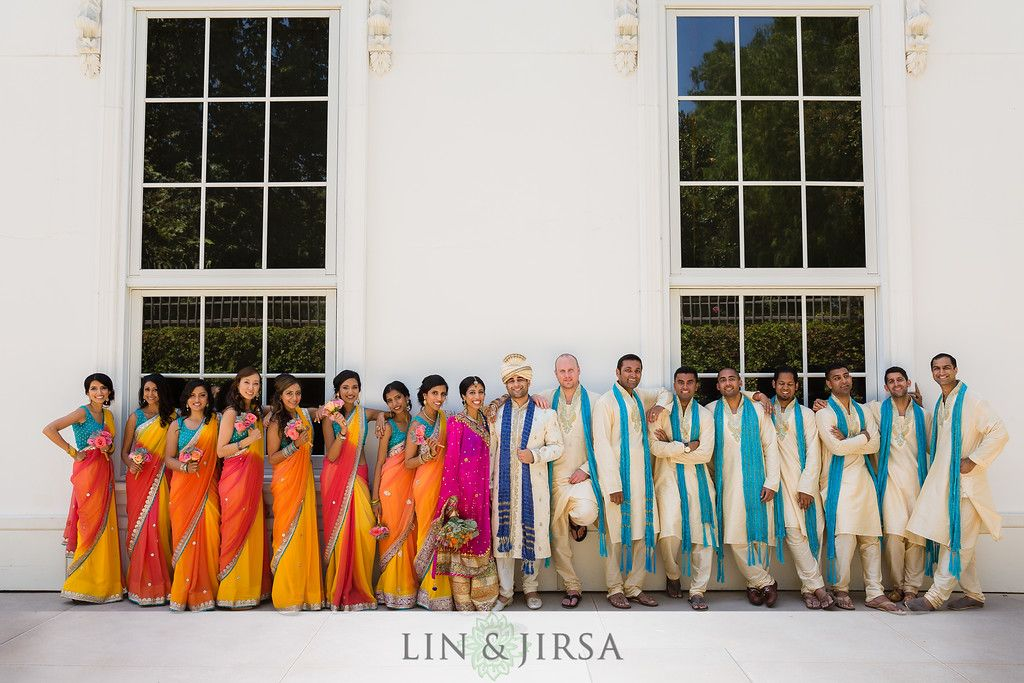 Gorgeous bridal party shot! Beautiful colorful saris!  #Indianwedding Photography: Lin & Jirsa www.shaadishop.co