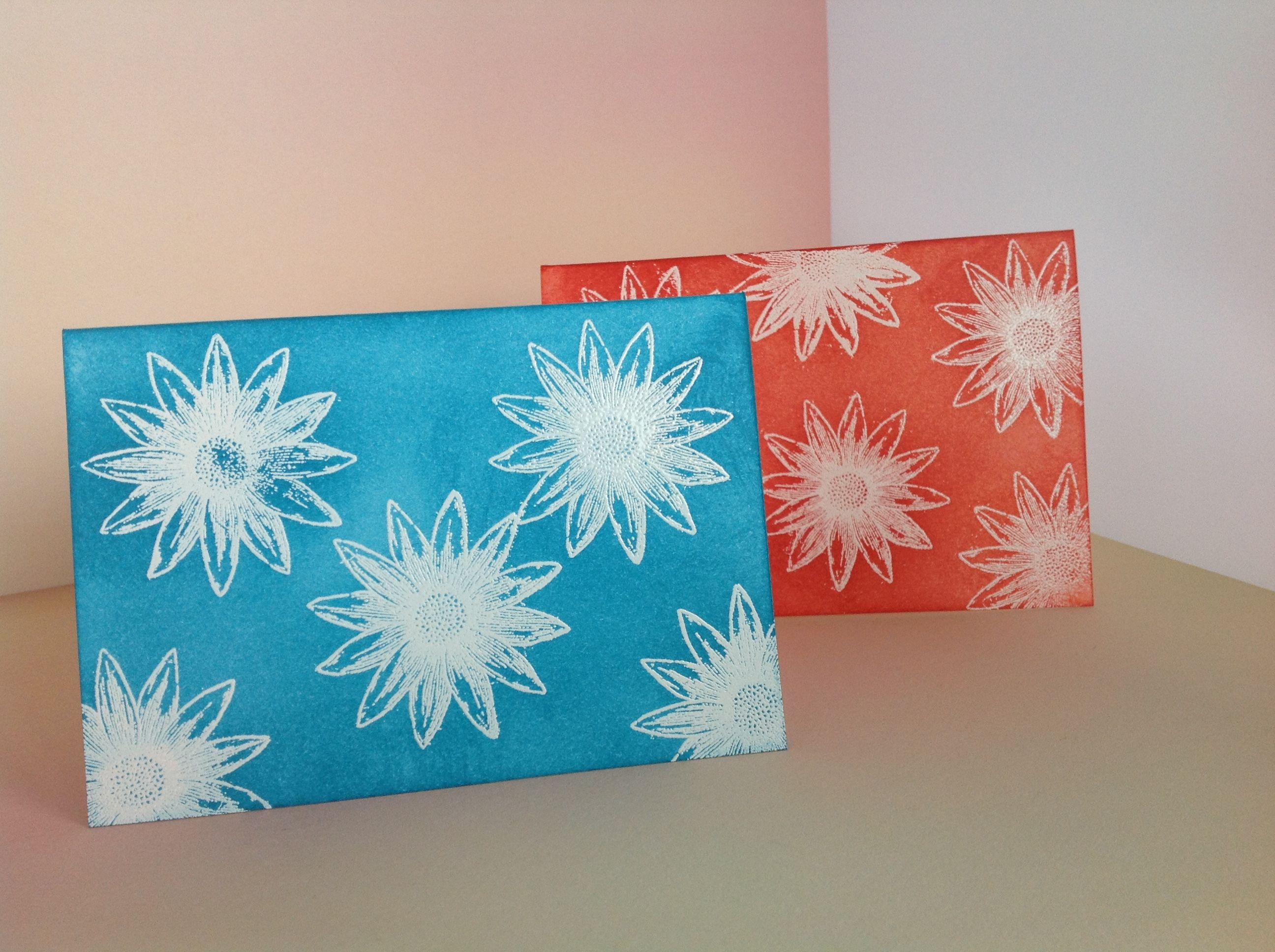 Cards using Stampin'Up! Grateful Bunch Stampset, White Embossing powder and Heattool.