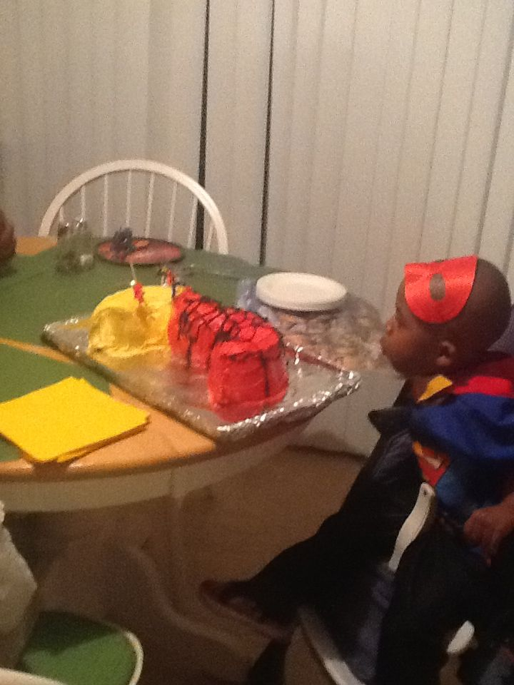 Spider-Man cake for 3yr old superhero party.