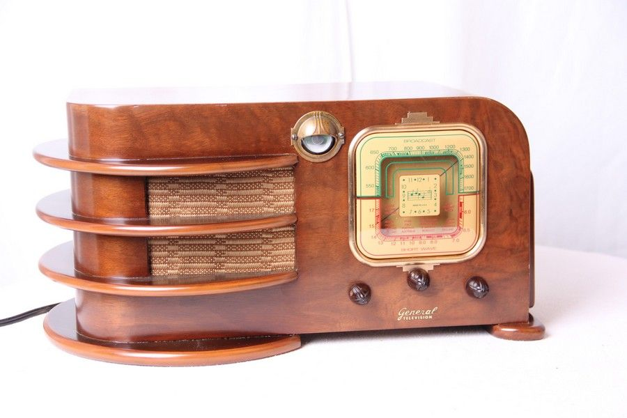 Lovely Classic Radio with Vintage Style: Amazing Restored Vintage Radio From Intreresting Wood Ornaments ~ byrinc.com Ideas