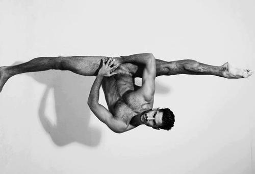 Jonathan Guijarro Ballet Nacional de España photo by Domingo Sánchez