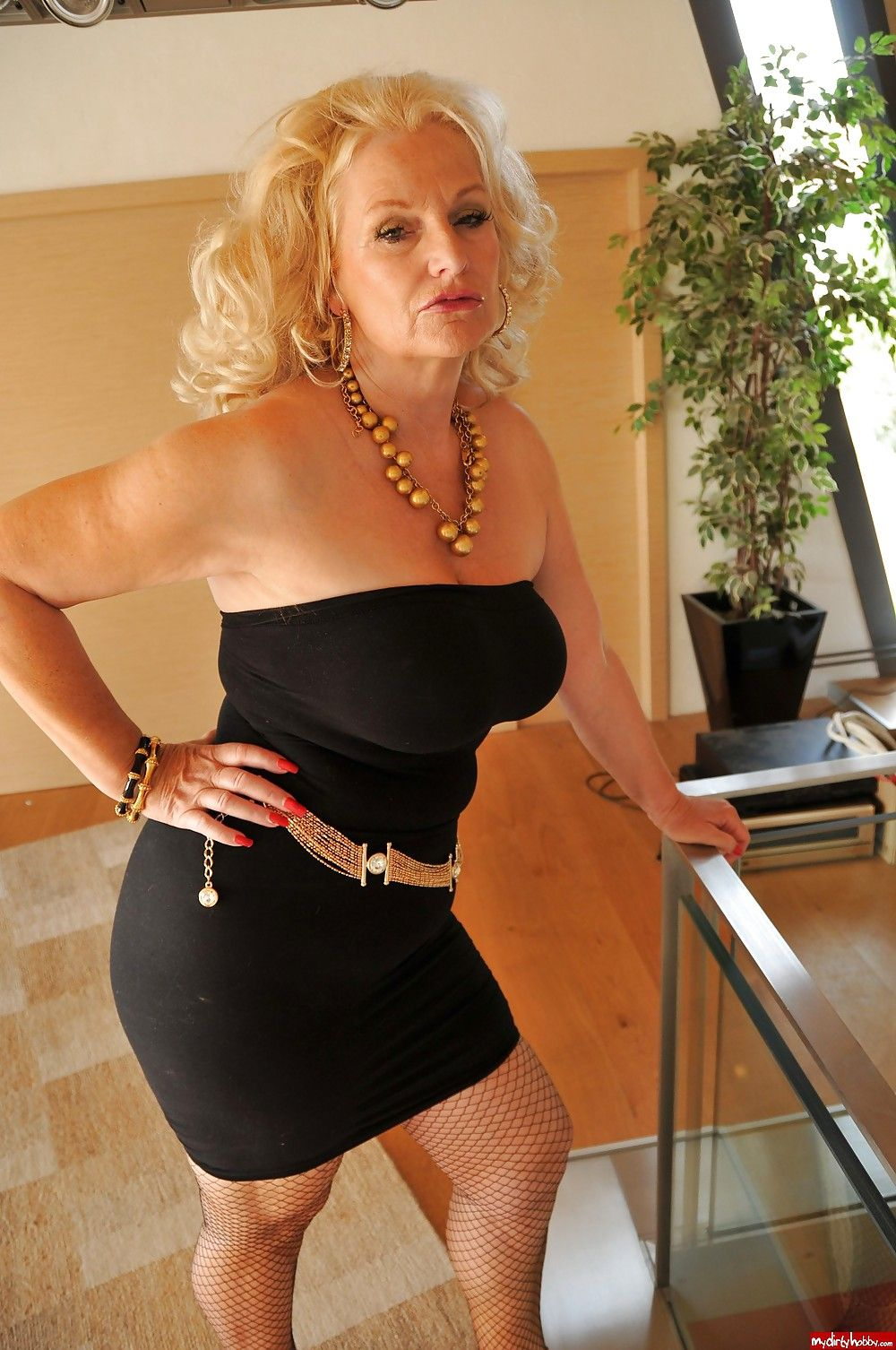Mature older women videos-9139