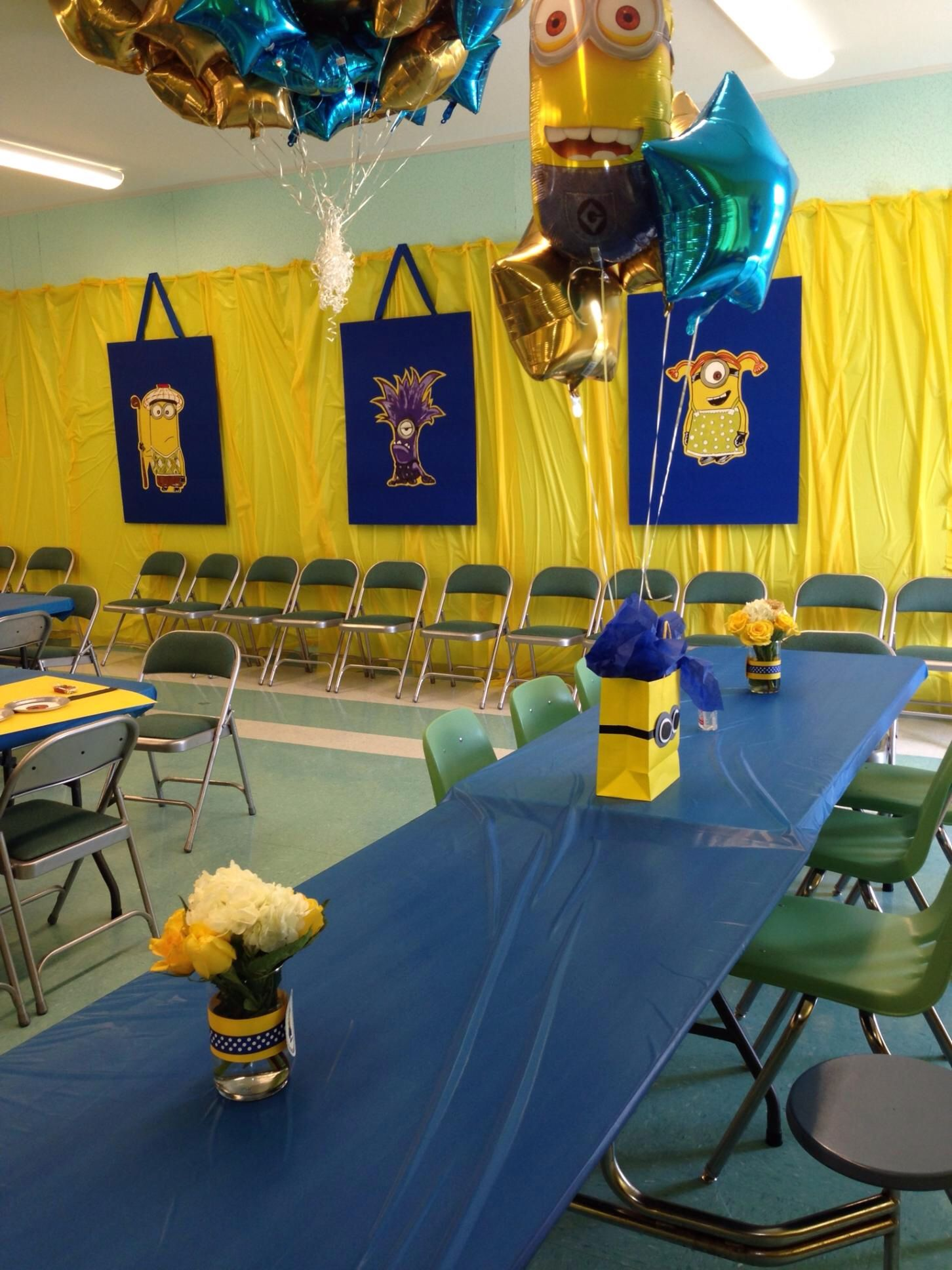 Our large minions make an awesome wall decoration | Party ideas ...