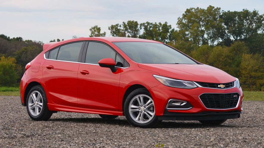 2017 Chevrolet Cruze Lt Hatch Manual Confused About What To Buy Call 1 800 Car Show For A Product Specialists Who Will Help You Chevy Cruze Hatchback Cruze