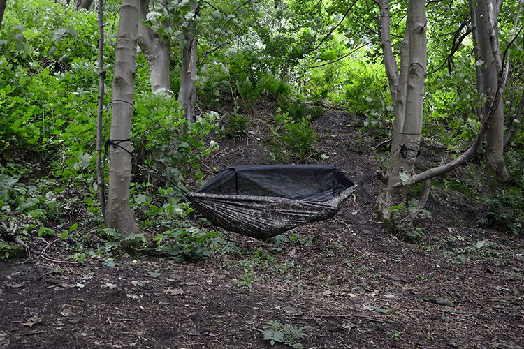 a great jungle hammock with mosquito   suitable for use in tropical conditions as well as european weather  dd frontline hammock mc   camping bush craft and hammock stuff      rh   pinterest