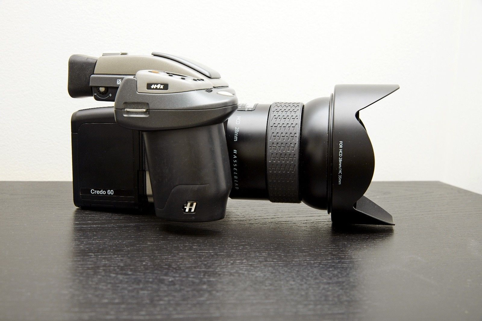 Hasselblad H4X Camera 60 MP Digital Back HCD 28mm Lens Free Shipping