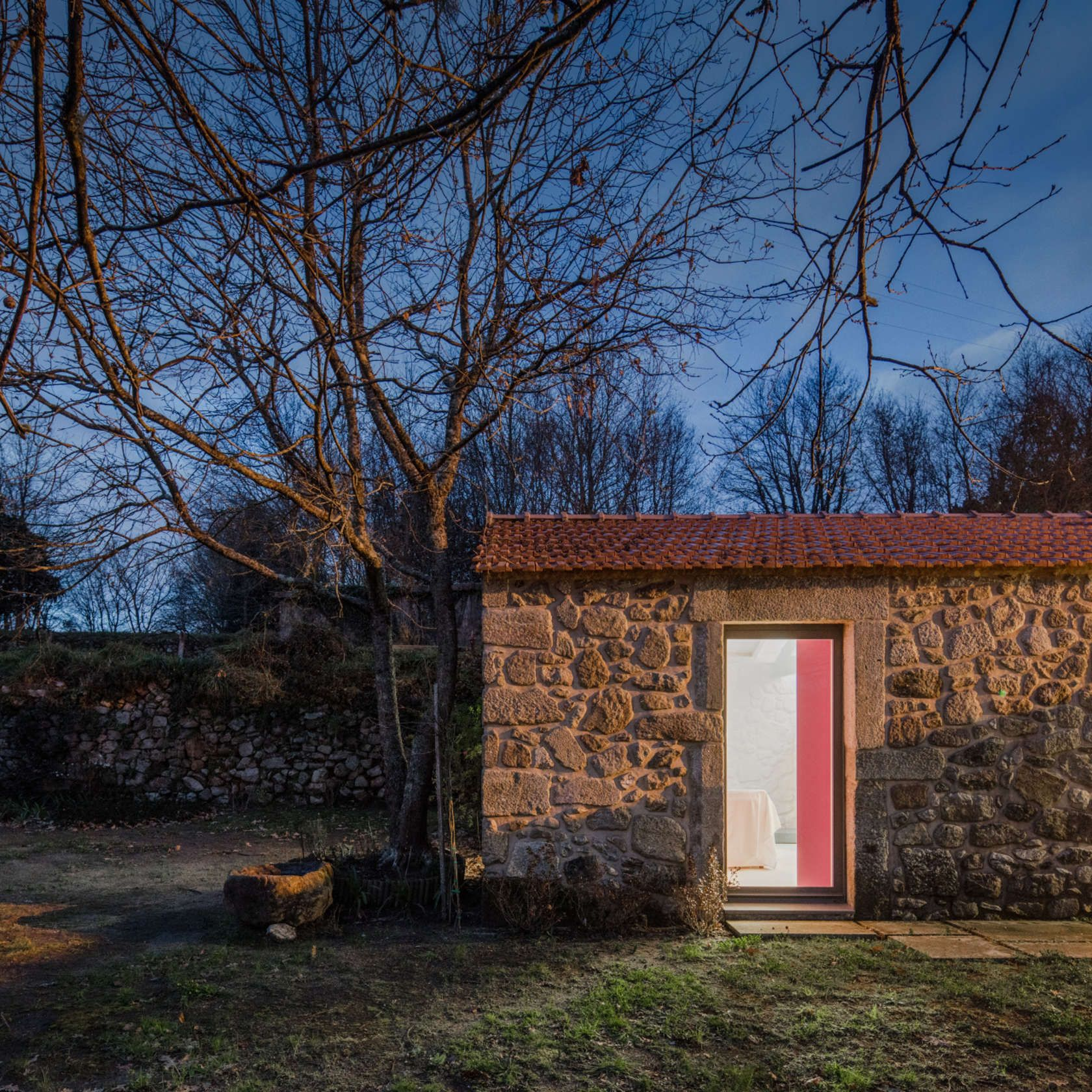 From the architect. Within the Paredes de Coura region, this construction dates from the year 1699 with secondary works in 1703. It's integrated in a farm an...