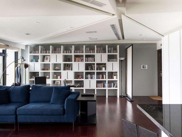 Regalkombination haus bibliothek einrichten wohnzimmer sofa blau jpeg