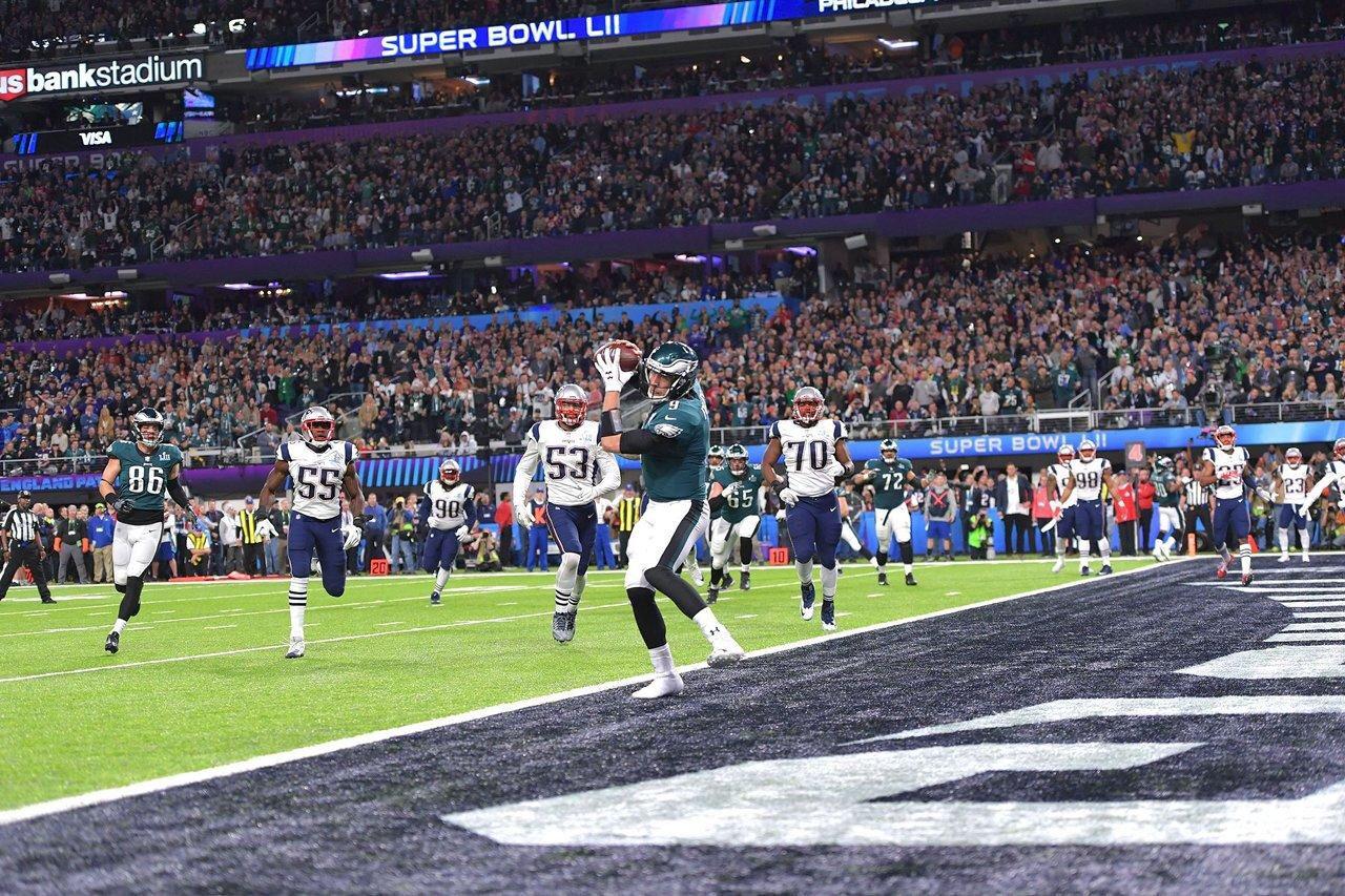Qb Nick Foles Catches The Pass For A Touchdown Philly Special Super Bowl Eagles Super Bowl Super Bowl Li