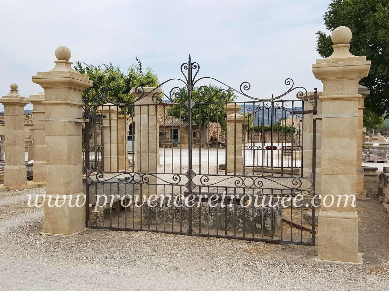 Portail fer forgé dwg portail coulissant fer noir   Aubonheurdesenfants 5907f268c454
