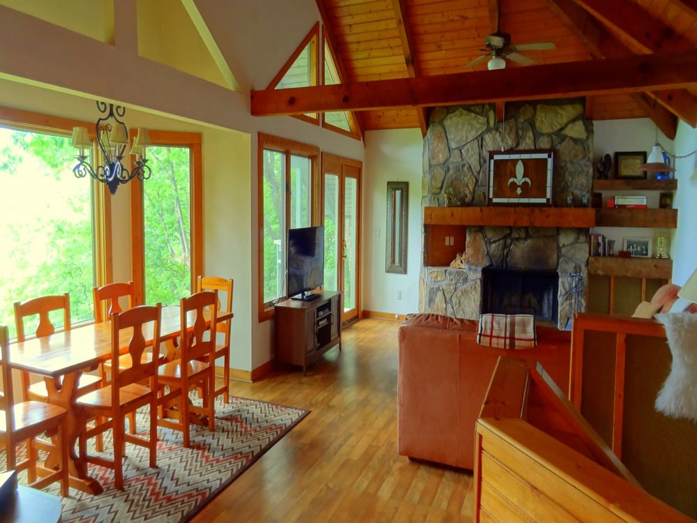 Cabins In Gatlinburg, TN   Moonshine Rental Sleeps Offered By Moonshine  Rental.