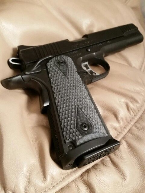 Hogue G10 Piranha grips for my Kimber | Gun projects | Guns
