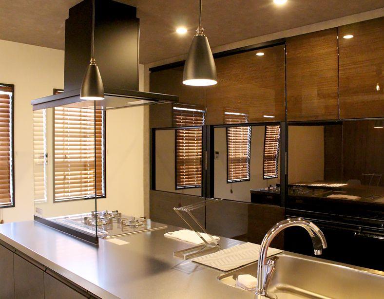 自然体で優しさがあふれる生活 心地よい光が差し込み キッチンが