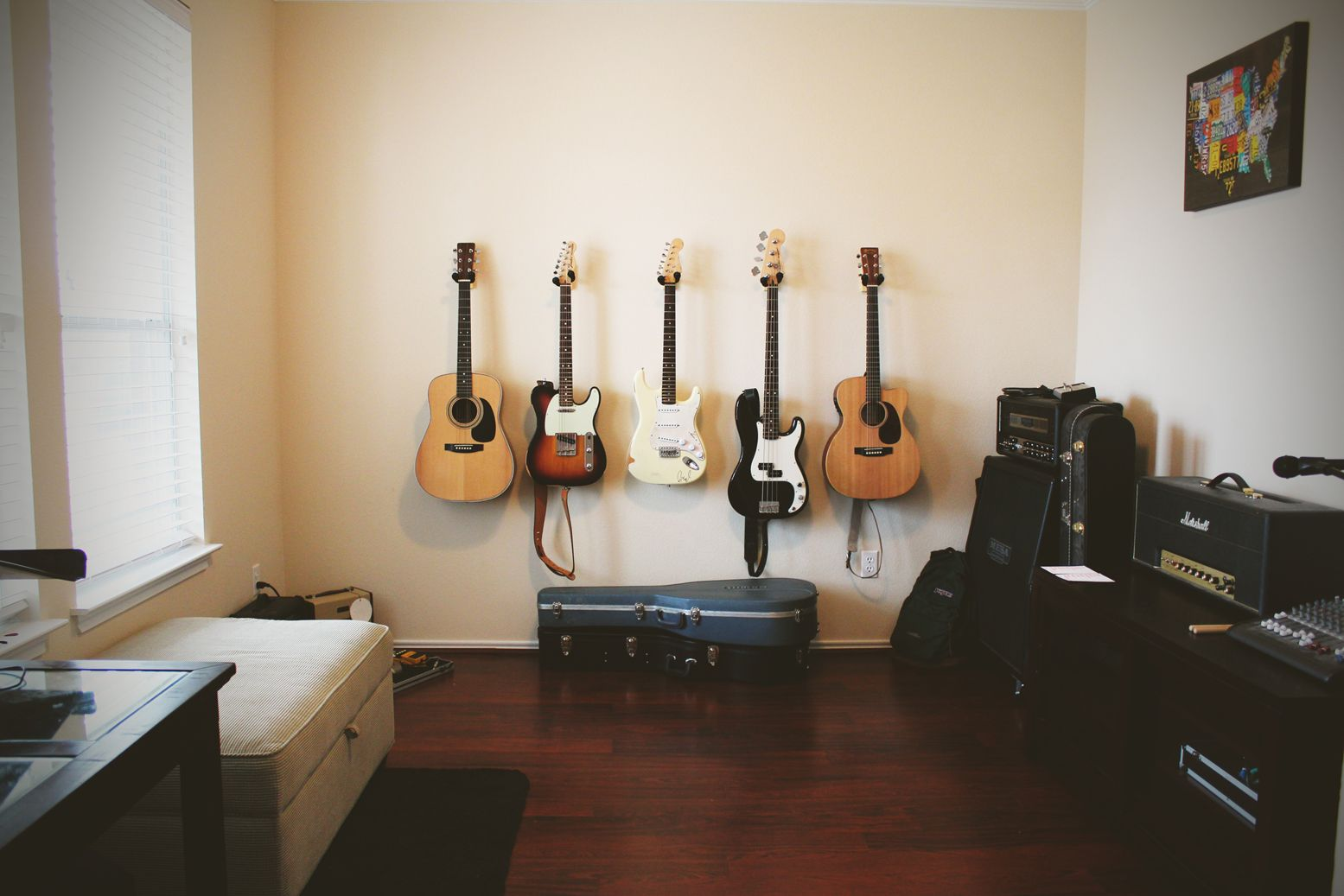 """Rooms: Entry Way """"formal Living Room"""" Transformed Into Guitar"""