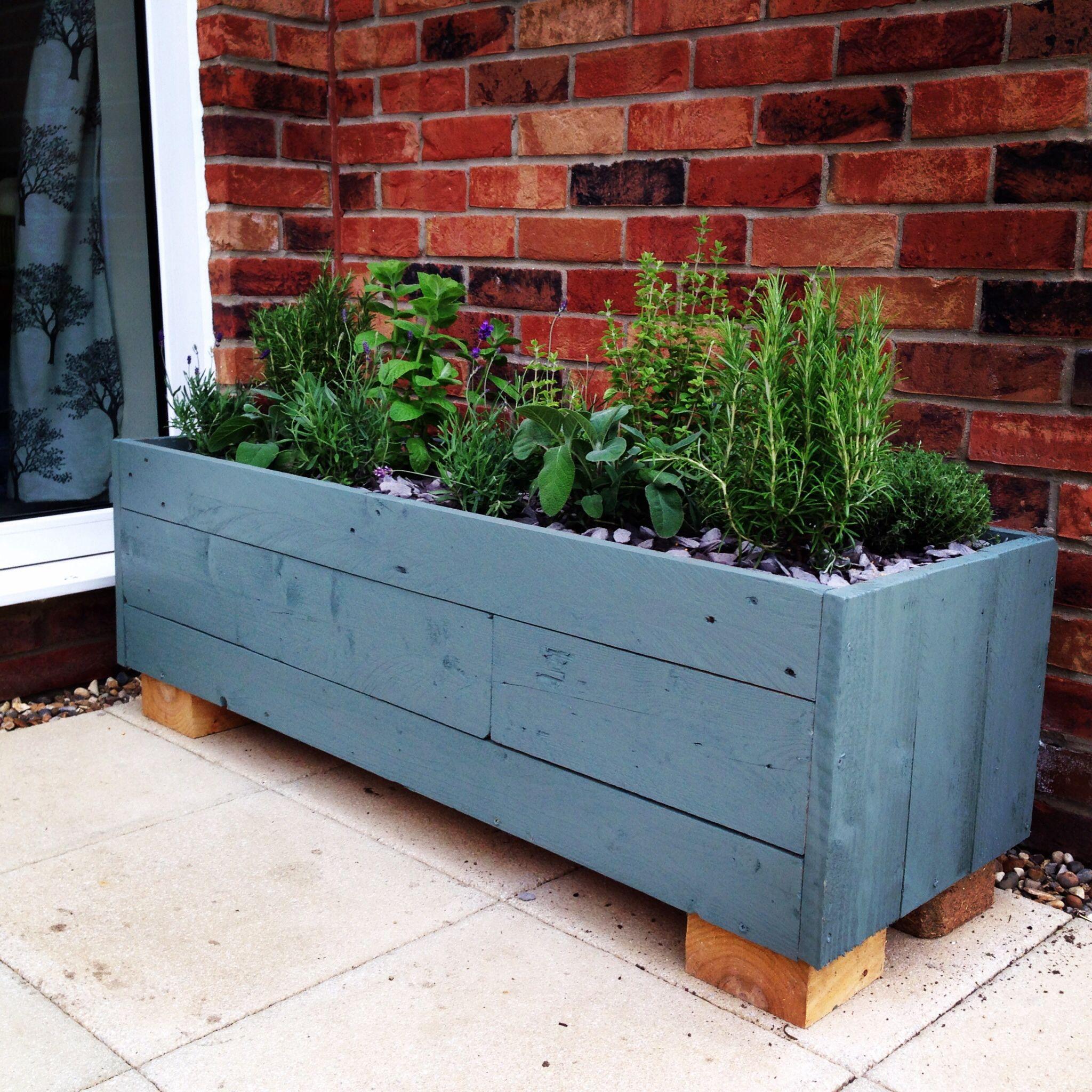 Pallet herb planter | Gardening | Pinterest | Herb planters ...