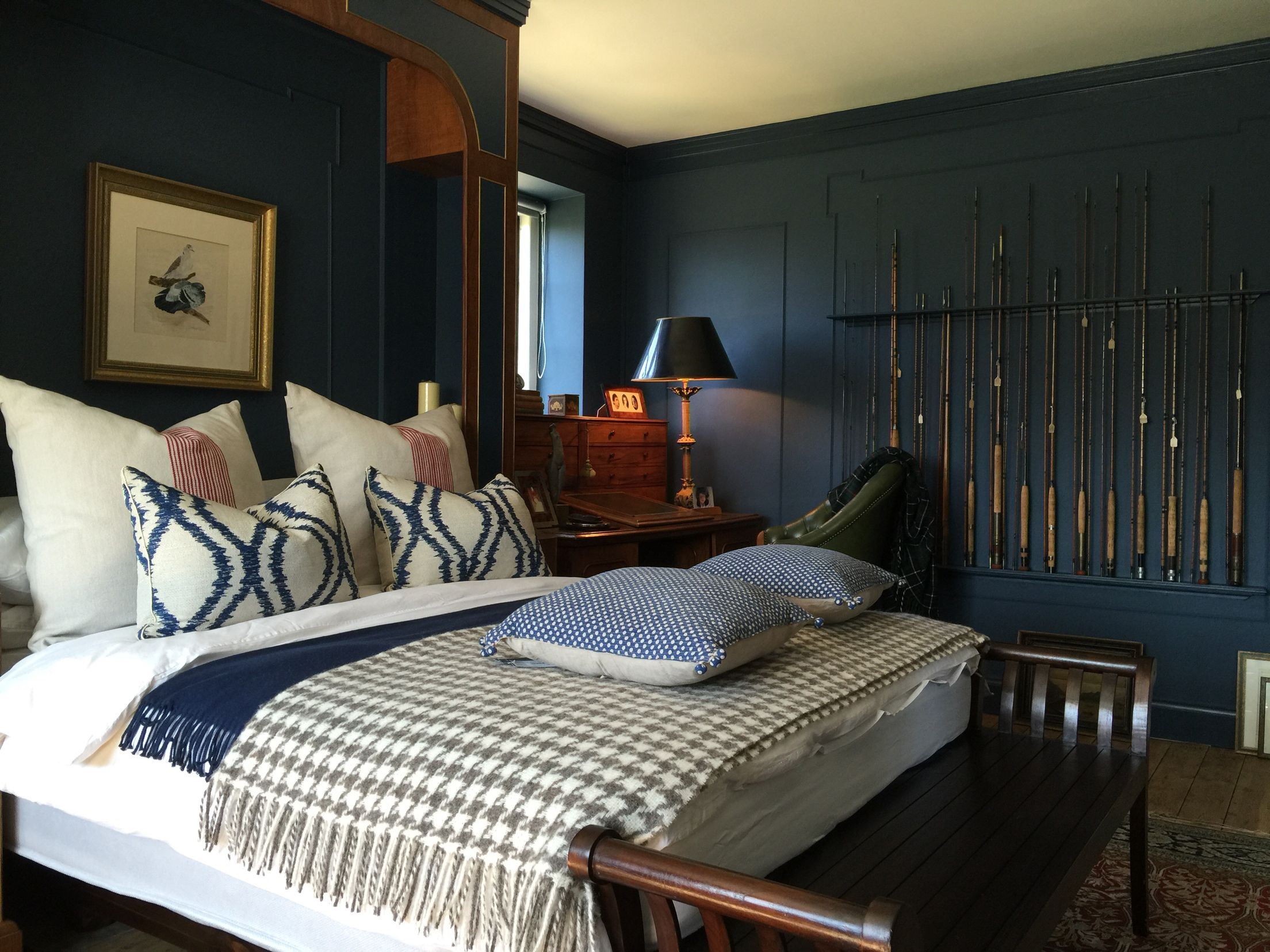 A Bedroom For A Discerning Country Gent Walls Stiffkey Blue