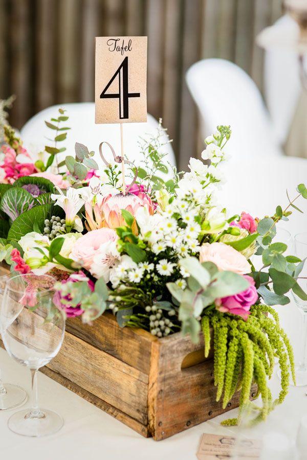 Carina and Pieter - Montagne Deli Flamboijant Decor Hire Eco - centros de mesa para bodas