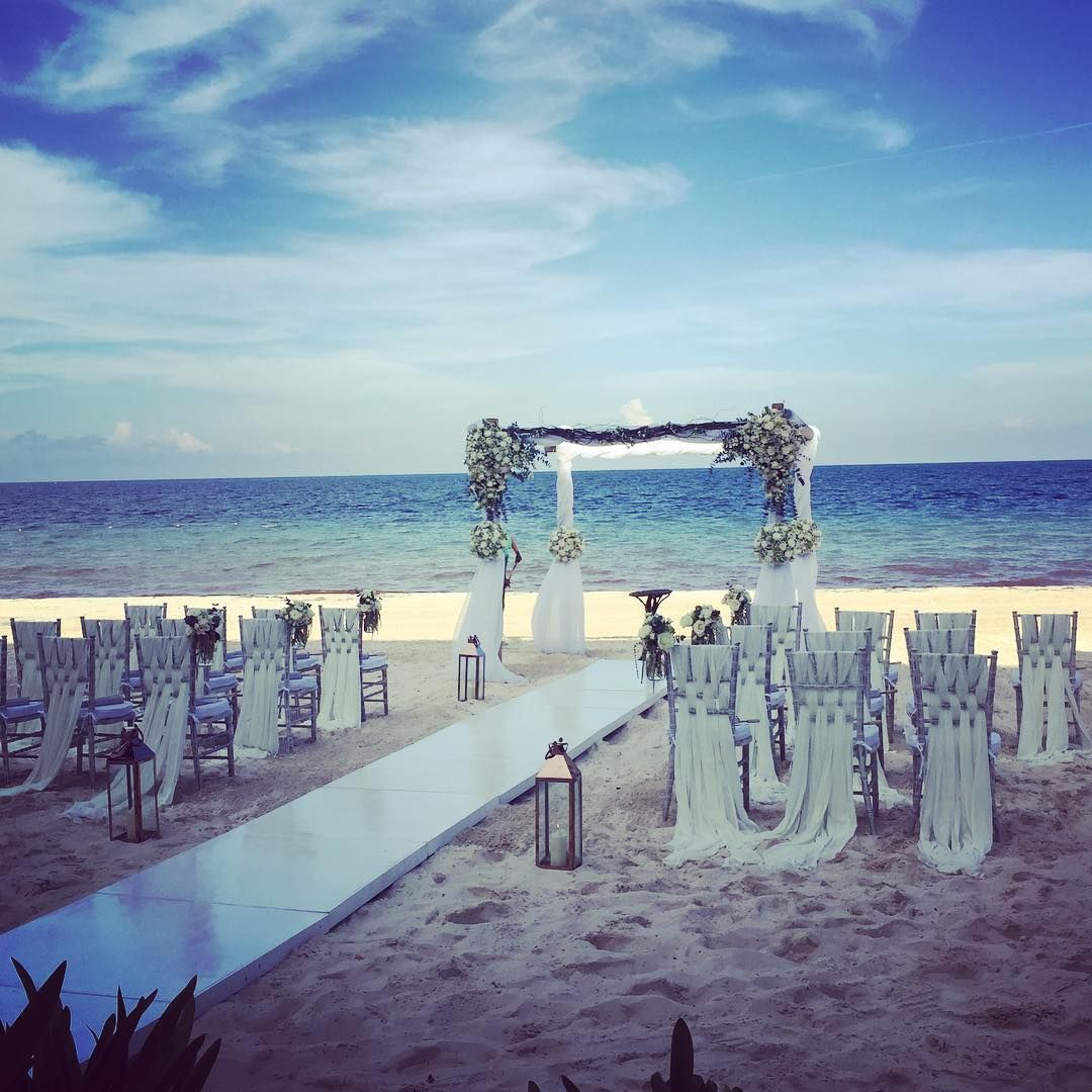 Beach wedding decorations elegant  Perfect simple and elegant wedding theme  Dreams Wedding Ideas