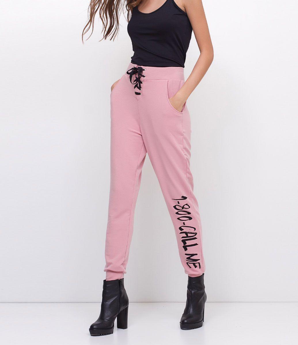 a3b77e1b1f Calça feminina Modelo jogger Com amarração Com estampa na perna Marca  Blue  Steel Tecido  moletom Composição  98% poliéster