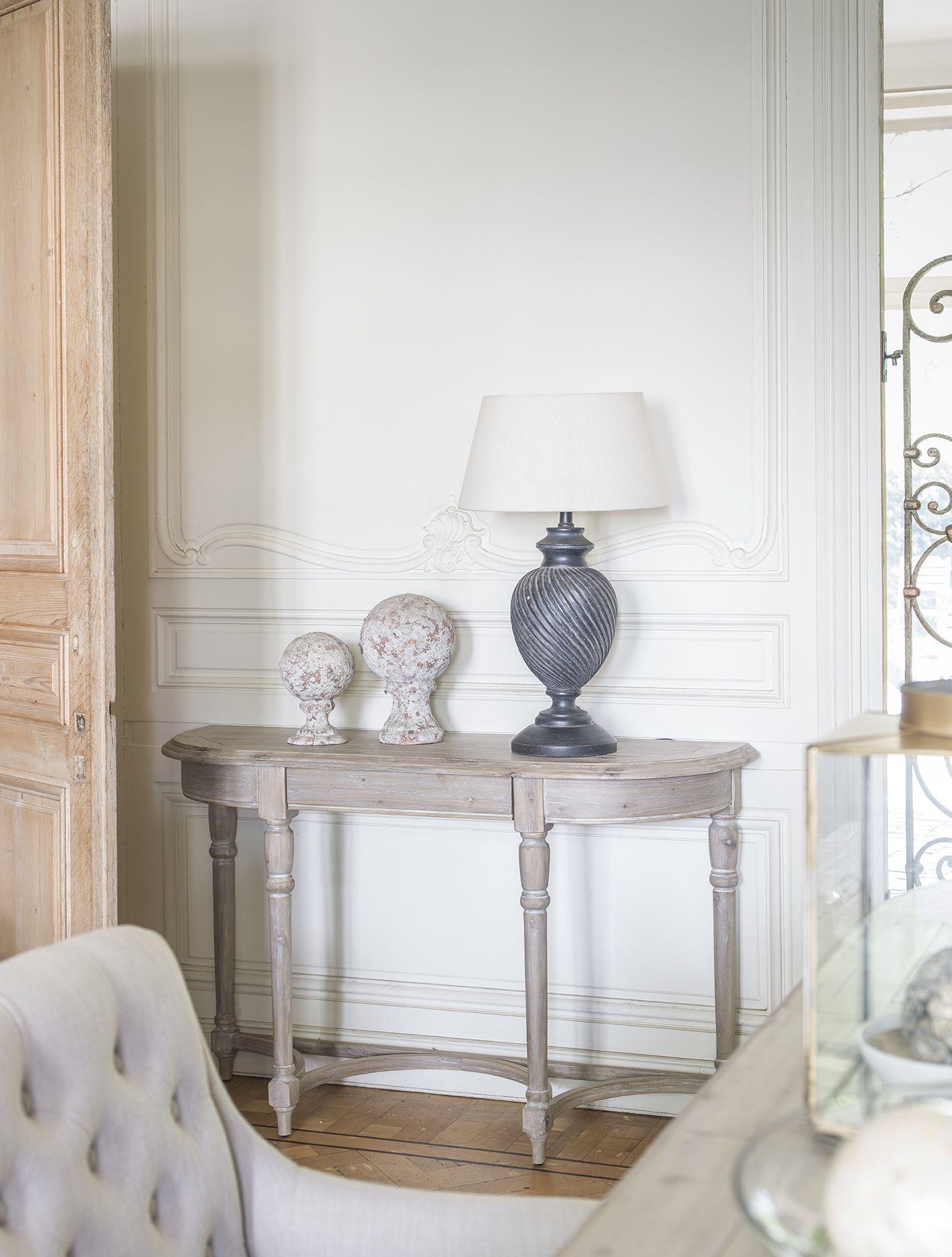 Influencee Par Le Style Regence Ile De France La Collection Chenonceau Revele Une Ligne D Mobilier De Salon Maison Bord De Mer Decoration Idees Pour La Maison