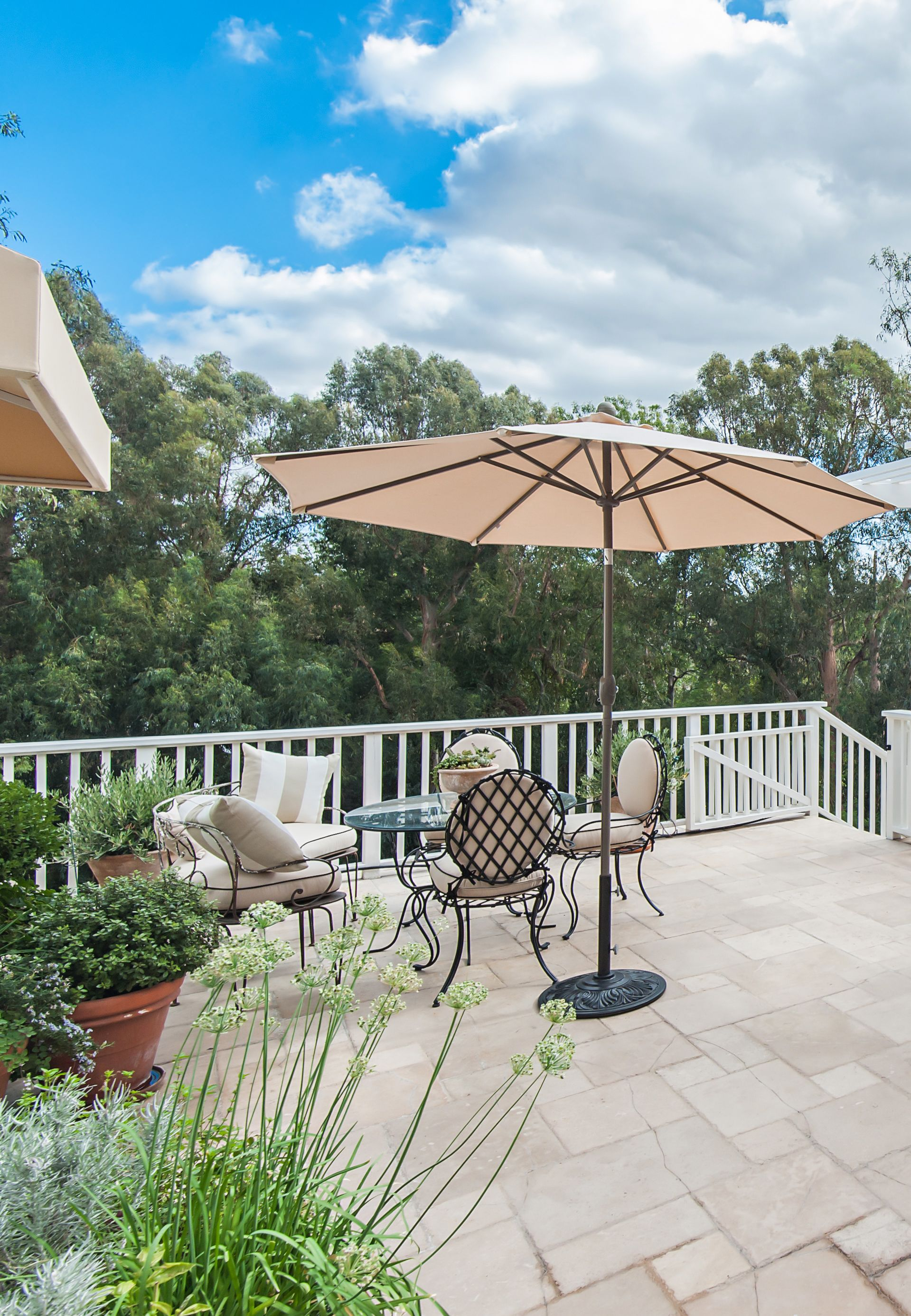 Los Angeles California Home Outdoor Patio Furniture and Sun