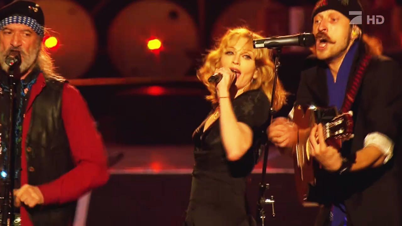 Madonna La Isla Bonita With Guests Madonna Live At Live Earth 2007 With Images