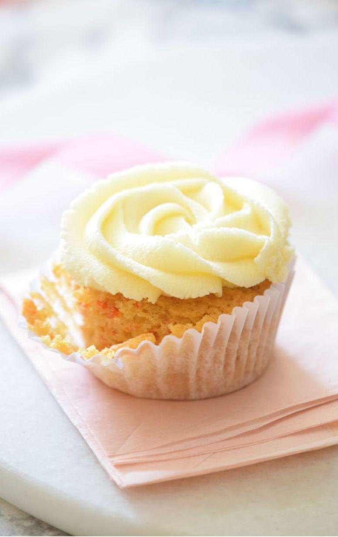Carrot Cake Cupcakes Recipe (THE BEST!!) - Carmela POP #cupcakesrezepte