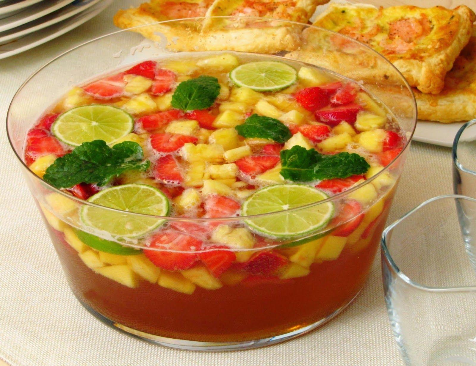 Wonder Wunderbare Küche: Erdbeer-Ananas-Bowle (alkoholisch oder ...