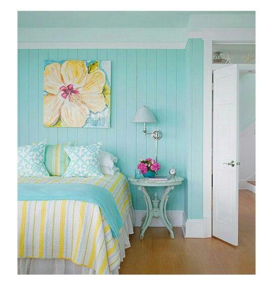 Habitación aguamarina blanco amarillo fresco dormitorio