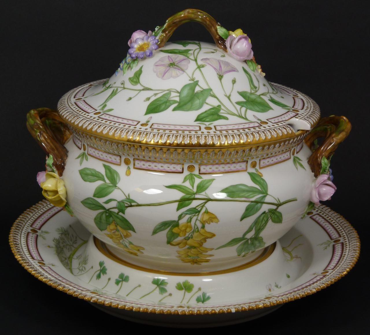 royal copenhagen flora danica royal copenhagen danica pinterest porzellan geschirr und. Black Bedroom Furniture Sets. Home Design Ideas