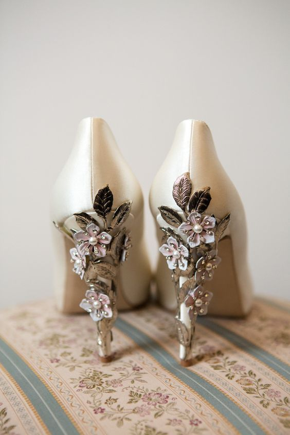 20 fabulous wedding shoes practical advise wedding shoes ideas elegant fall wedding bridesmaid shoes mixed with artistic high heel decoration with flowering decoration and gold leaves design junglespirit Image collections