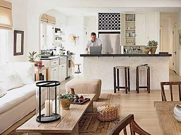 Fotos salones pequenos con sofa blanco muebles madera for Salones pequenos blancos