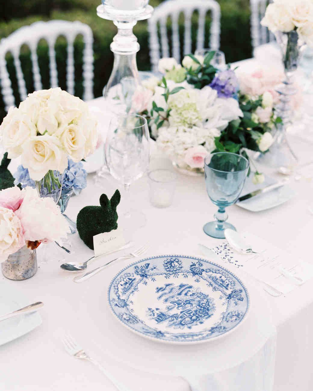 The Prettiest Place Settings from Real Celebrations | Martha stewart ...
