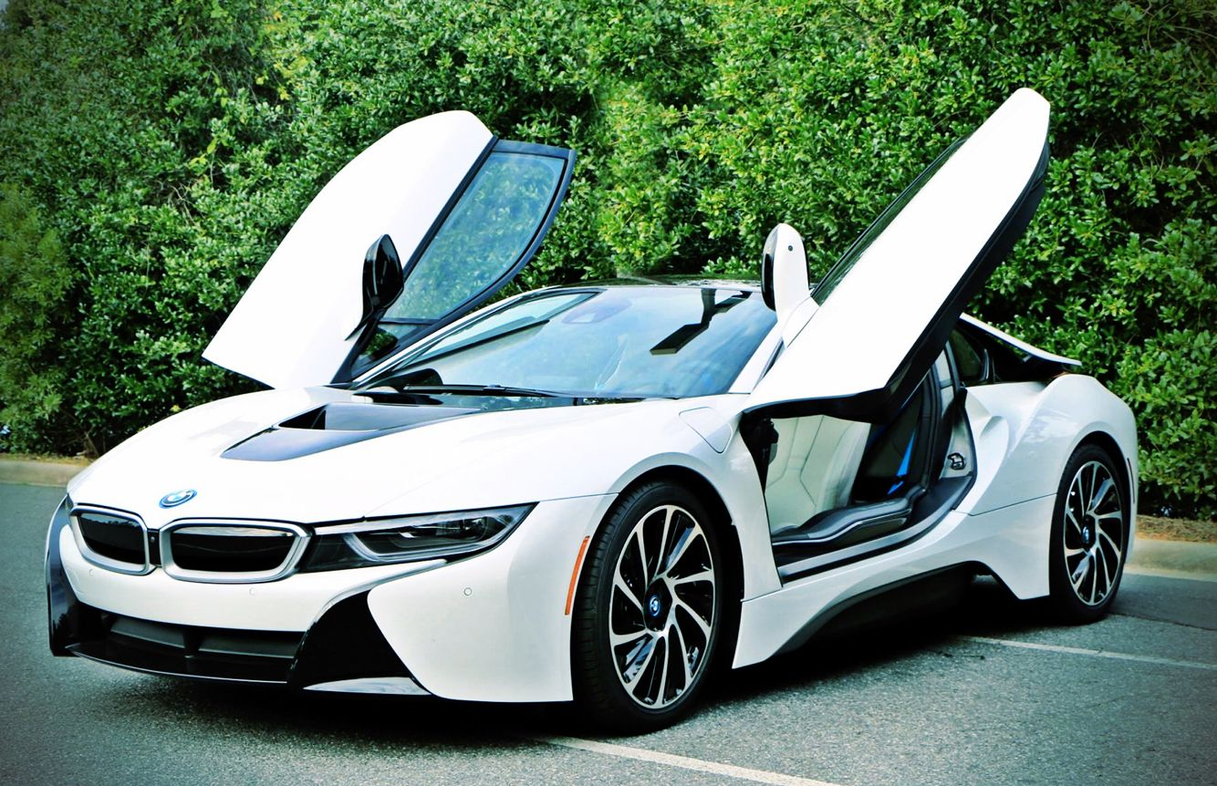 Chicago Got A Wedding Or Are You Ready For Prom Roll Up In This Bad Boy And You Ll Be The Talk Of Your Peers For Years T Bmw I8 Bmw Car
