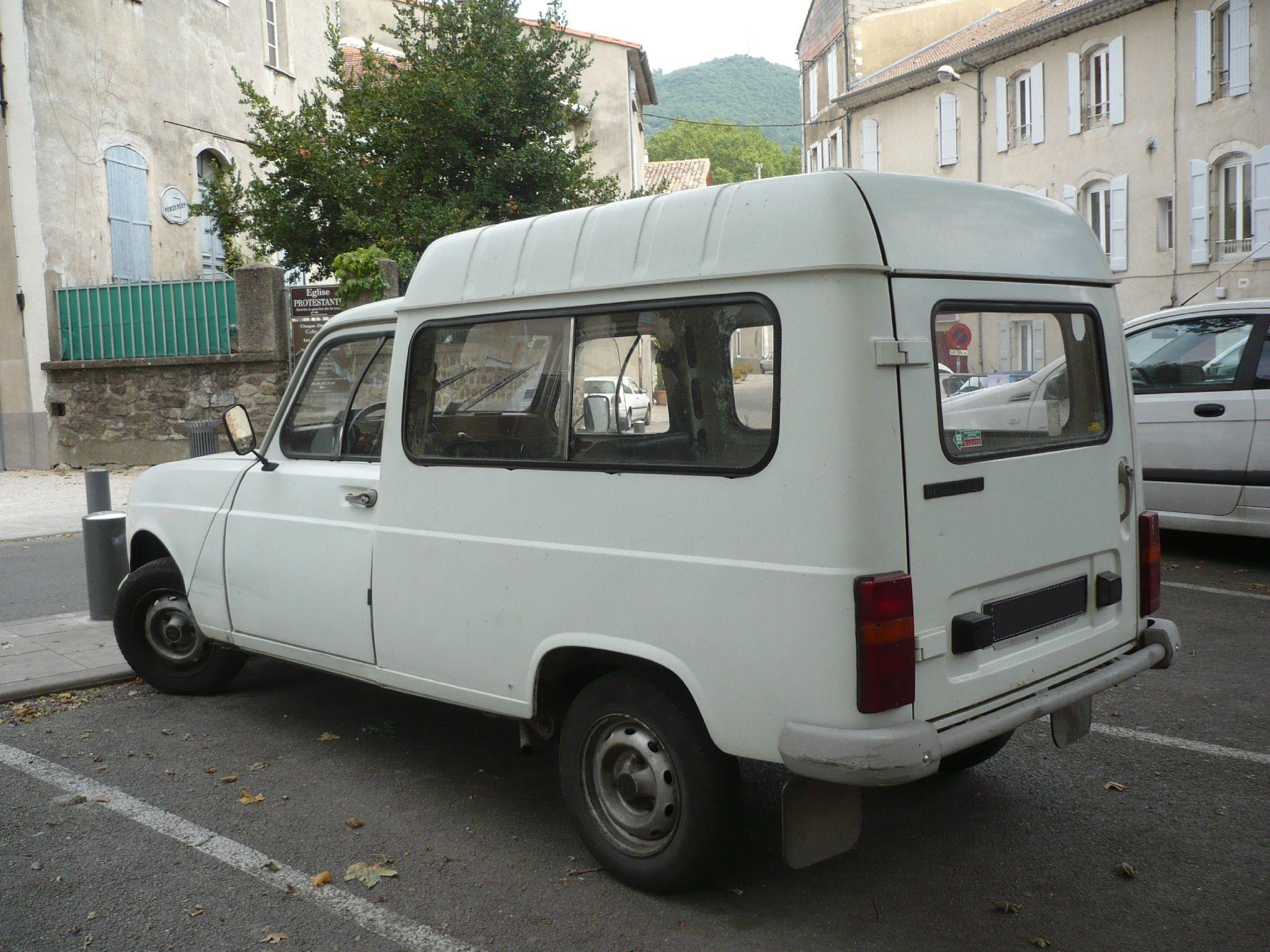 Renault 4 f6 fourgonnette vroom vroom renault 4 for Garage bmw gard