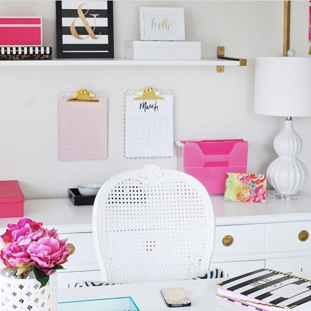 This office from @11magnolialane is all kinds of 😍! Pink, gold and bright white forever! #ccfaves