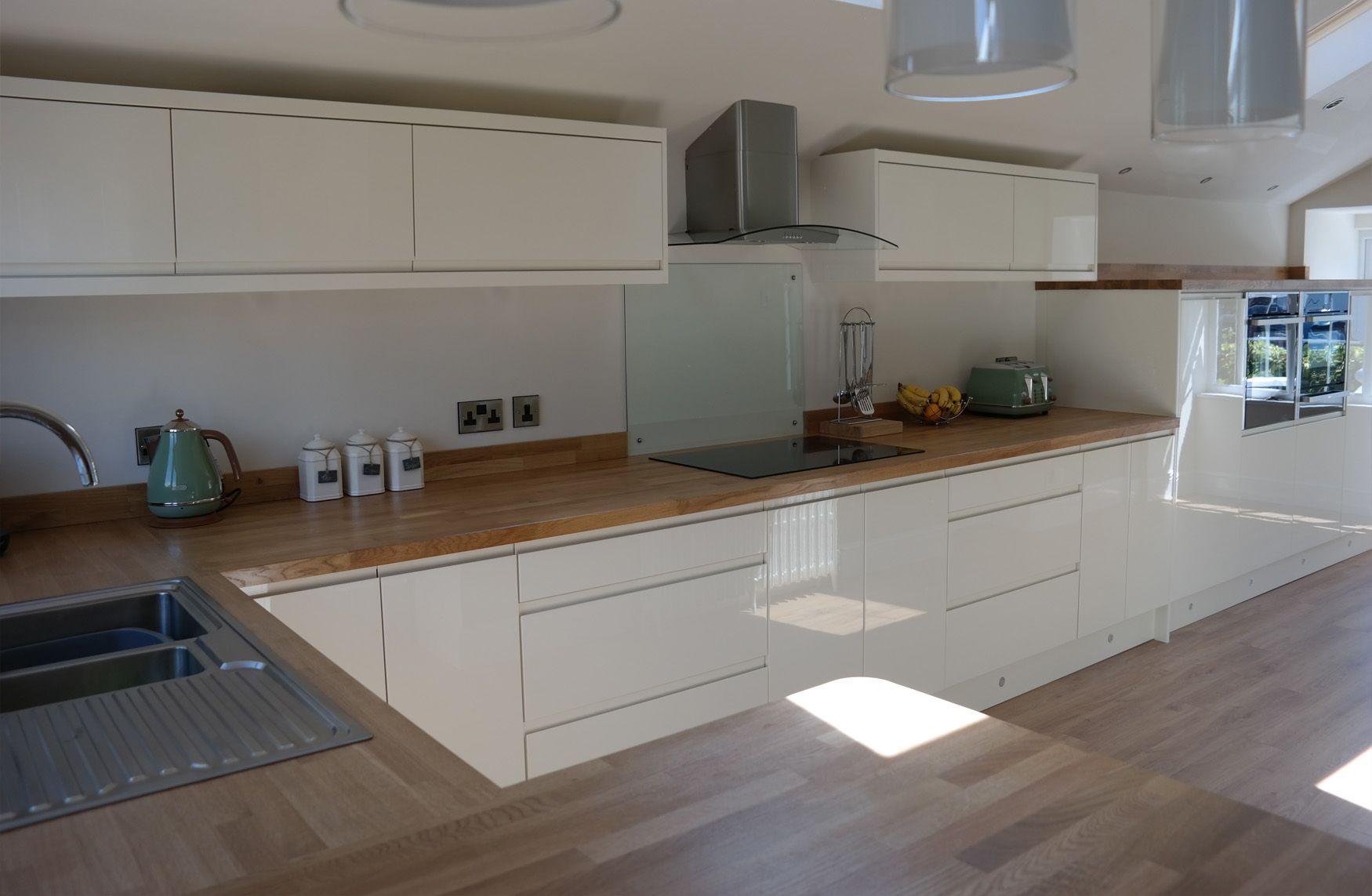 #Multiwood #Welford Handleless Gloss Cream #Kitchen. Sleek And Well  Considered Design Features Part 80