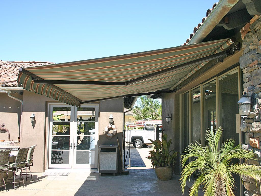 Elite Heavy Duty Retractable Patio Awning In 2020 Patio Awning Modern Patio Outdoor Awnings