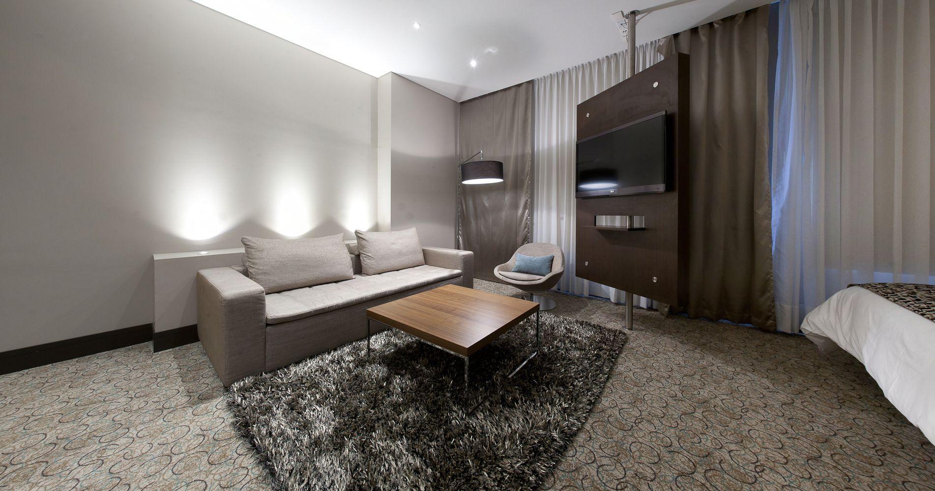 boconcept mezzo sofa veneto chair lugo coffee table and. Black Bedroom Furniture Sets. Home Design Ideas