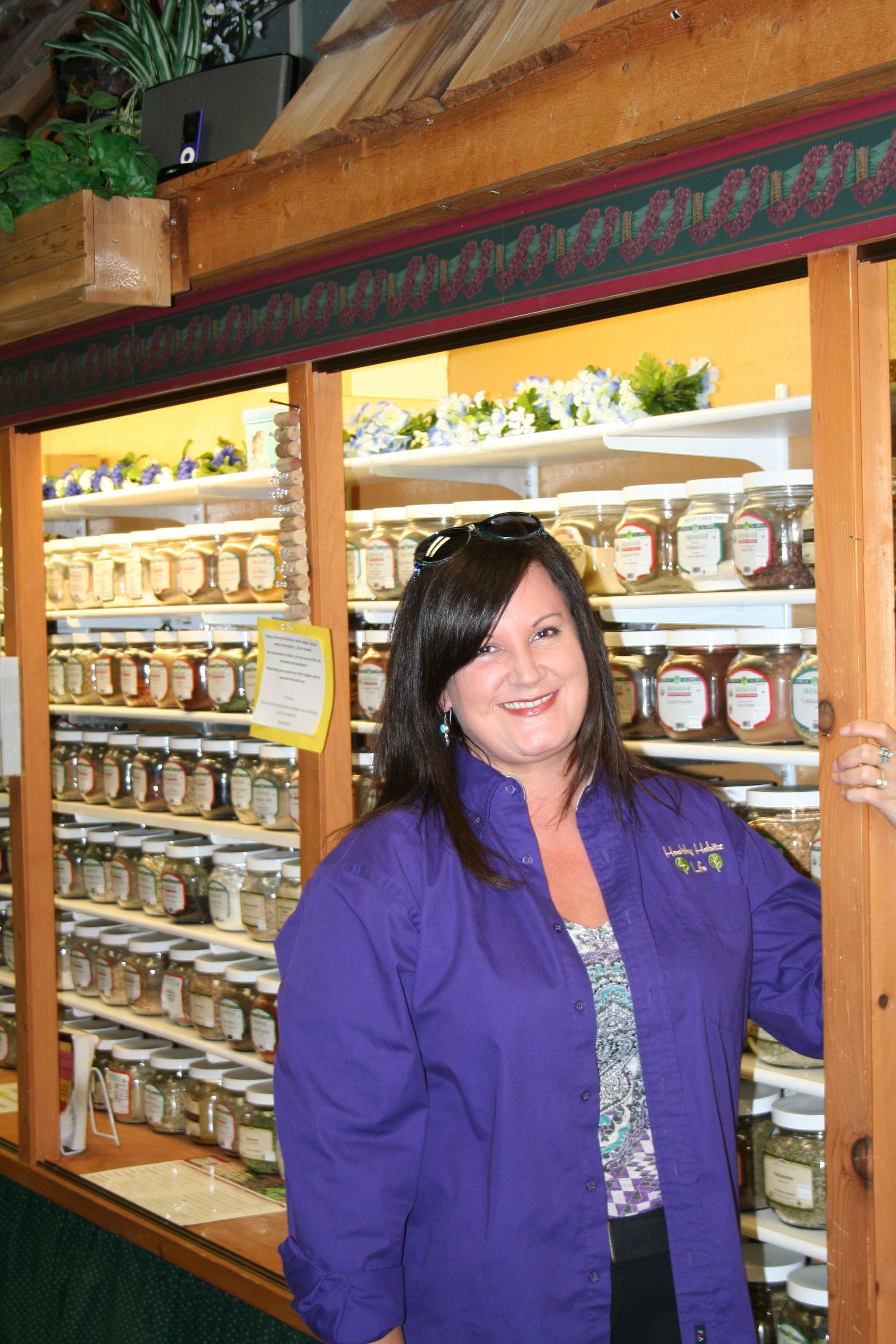 Gretchen Gill Buyer For Kitchenware Bulk Herbs Spices Teas Meet The Team Bulk Herbs The Incredibles