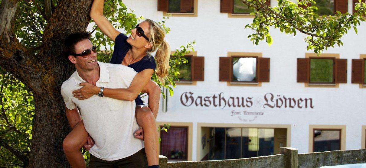 Gruppenreisen Restaurant Hotel Zum Löwen *** – Familie Tammerle Krumergass 8 • 39010 Mölten • Südtirol • Italien Tel. +39 0471 668 010 • info@zumloewen.com http://dld.bz/eEysw
