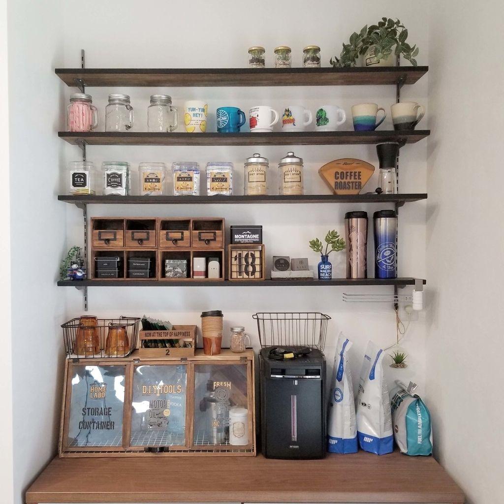 ガチャ柱を使ってキッチンに収納棚をdiyする方法 棚 収納棚 ガチャ棚