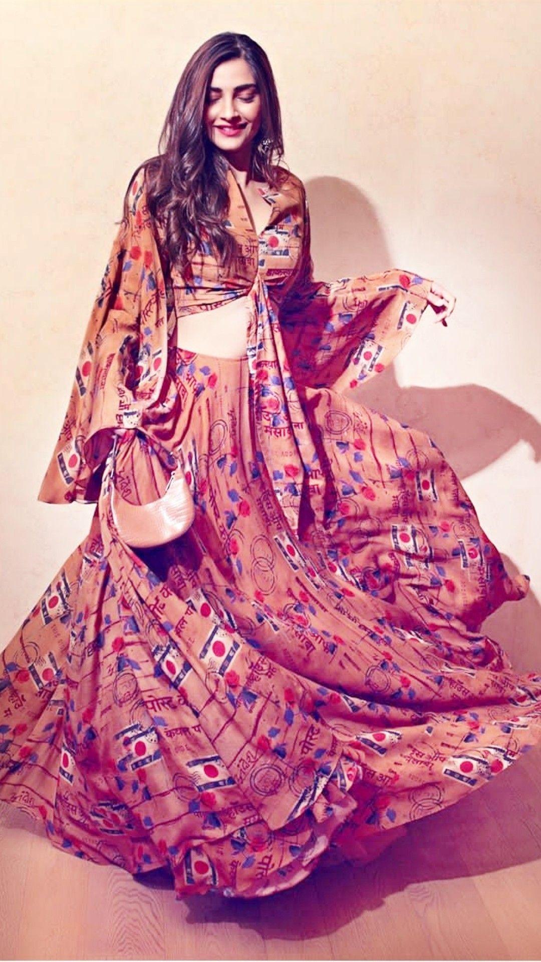 Sonam kapoor | Sonam kapoor, Western dresses, Lehenga
