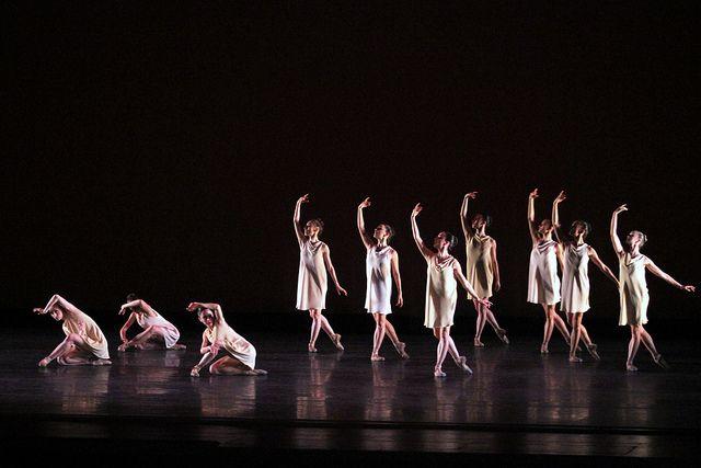 Miami City Ballet dancers in Symphonic Dances. Photo © Joe Gato.