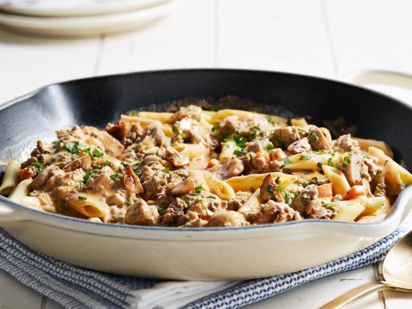 Hamburger Stroganoff Skillet Recipe In 2020 Food Network Recipes Hamburger Stroganoff Best Ground Beef Recipes