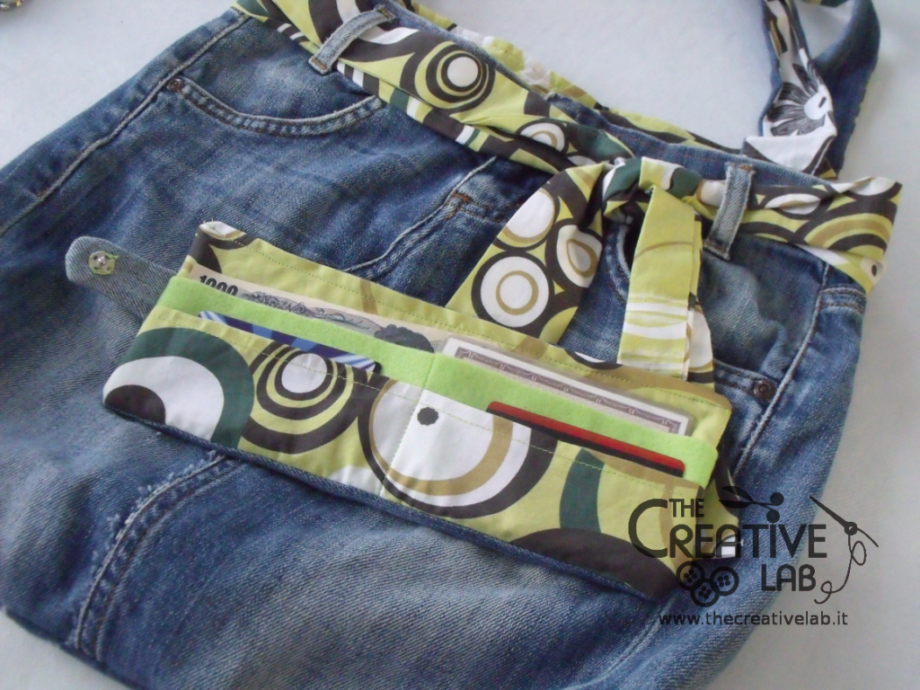 Tutorial: come creare un borsello con un vecchio paio di