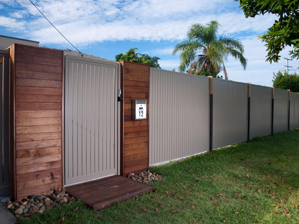 How Much Does Fencing Cost Per Metre Fence Design Timber Gates
