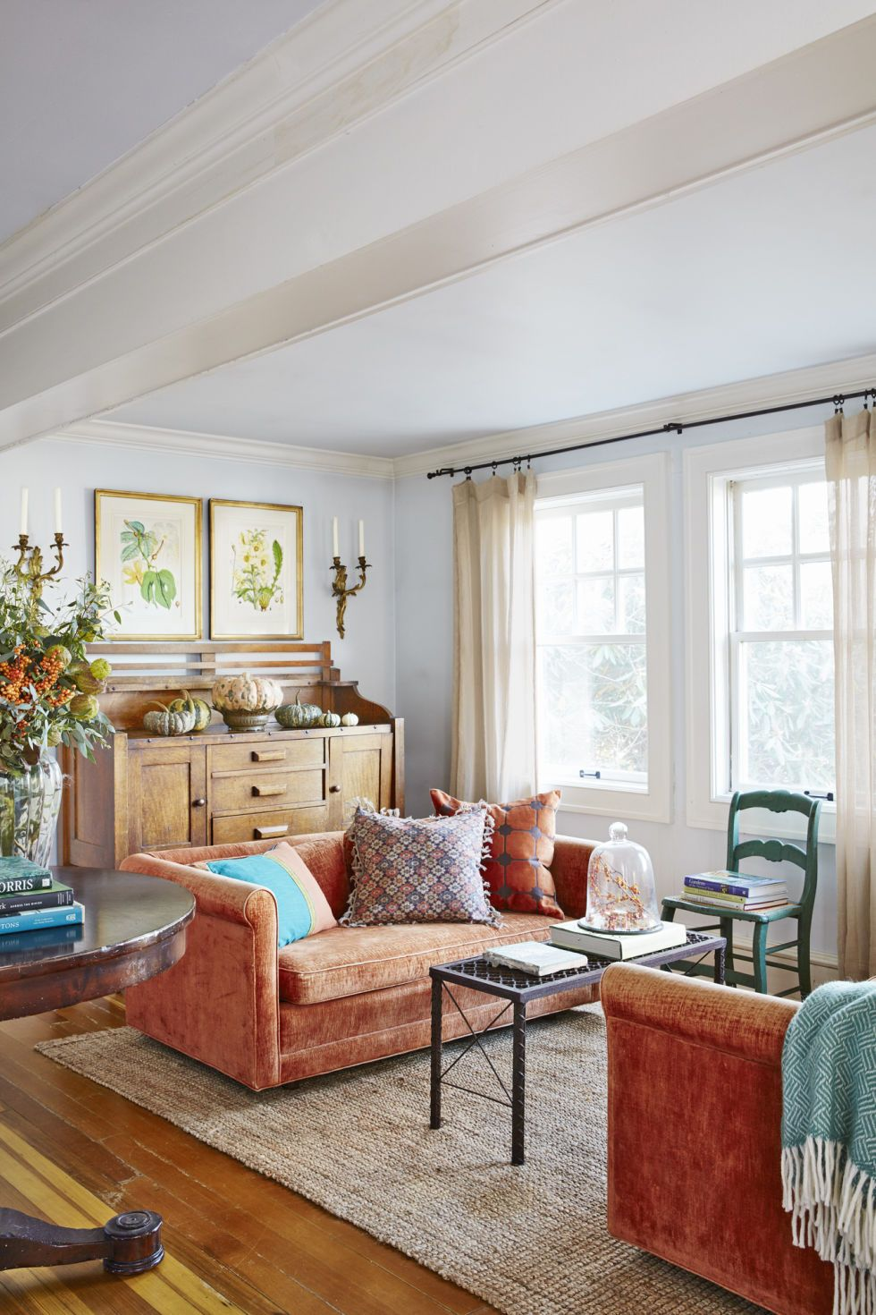 Inside A Quaint Connecticut Cottage That S Decorated For Fall All Year Long Living Room Orange Orange Living Room Sofas Living Room Sofa