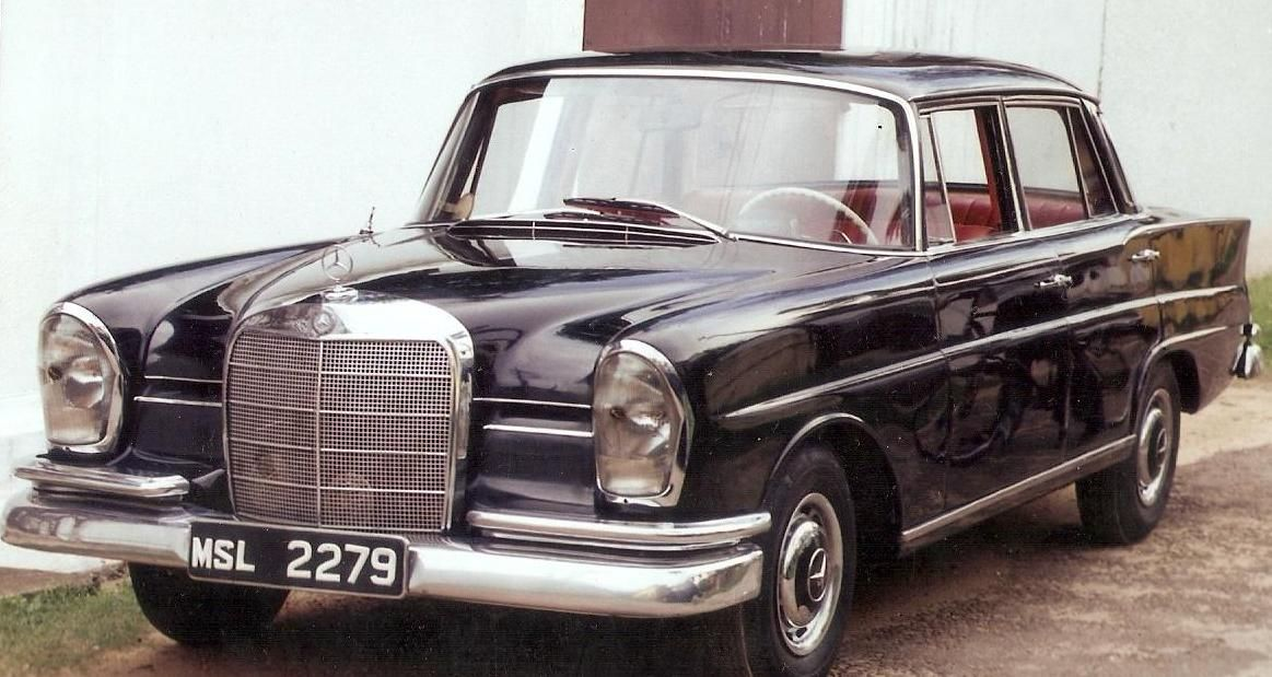 Old Mercedes Car I Love Them A Lot Luxury Cars For Sale Old Mercedes Super Luxury Cars